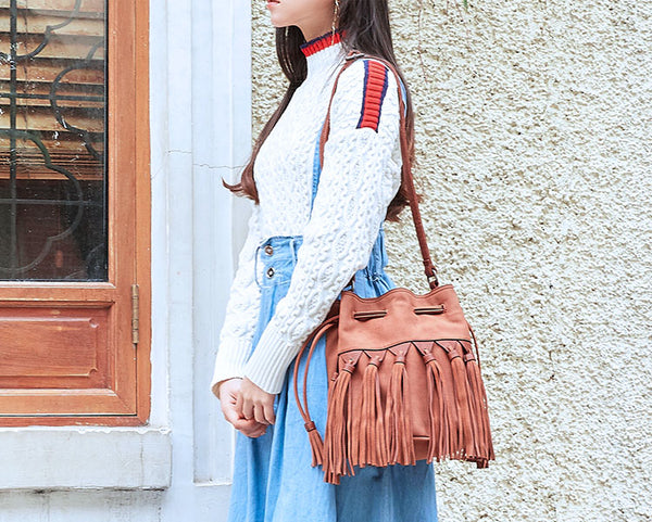 Western Womens PU Leather Crossbody Bucket Purse With Fringe  Bags for Women Cool