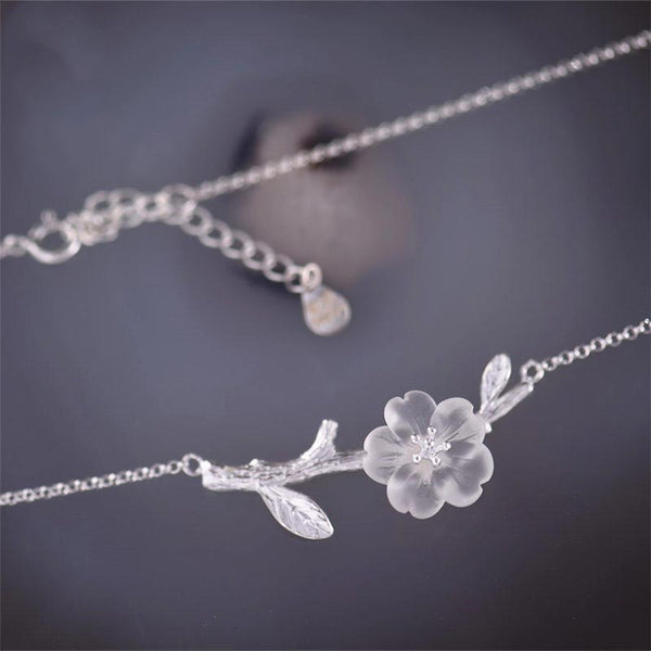 White Quartz Flower Pendant silver Necklace naturl gemstone