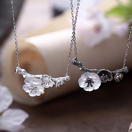 White Quartz cute silver Pendant Necklace