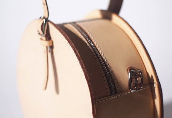 Women's Leather Circle Crossbody Bag Round Purse for Women Details