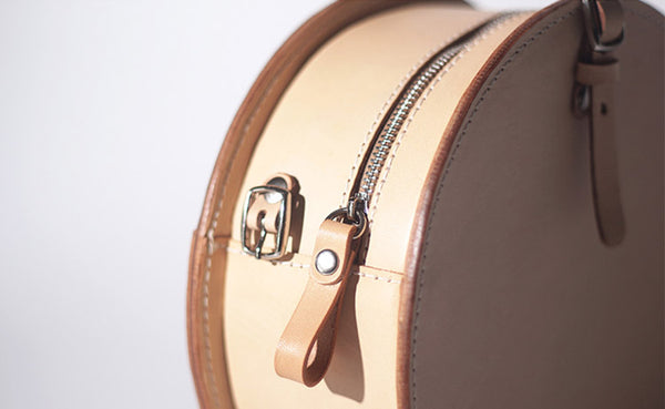 Women's Leather Circle Crossbody Bag Round Purse for Women fashion