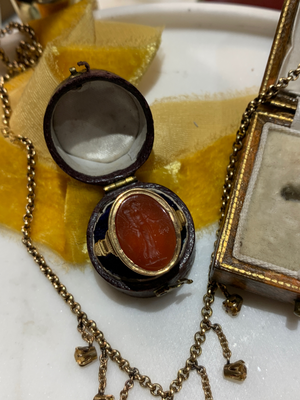 18ct Georgian Demeter Carnelian Ring