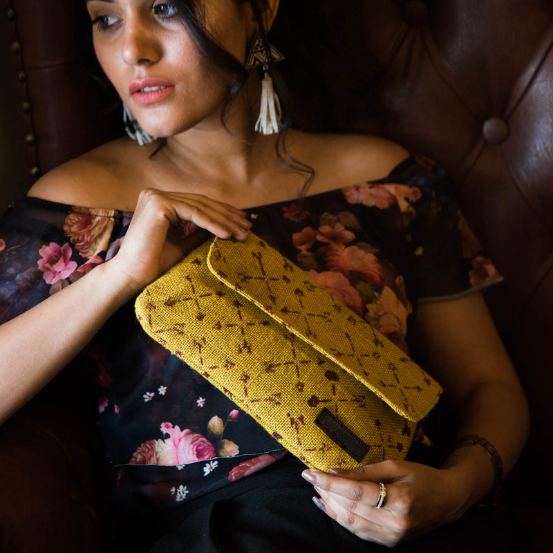 Yorky-Block-Printed-Eco-Friendly-Jute-Clutch
