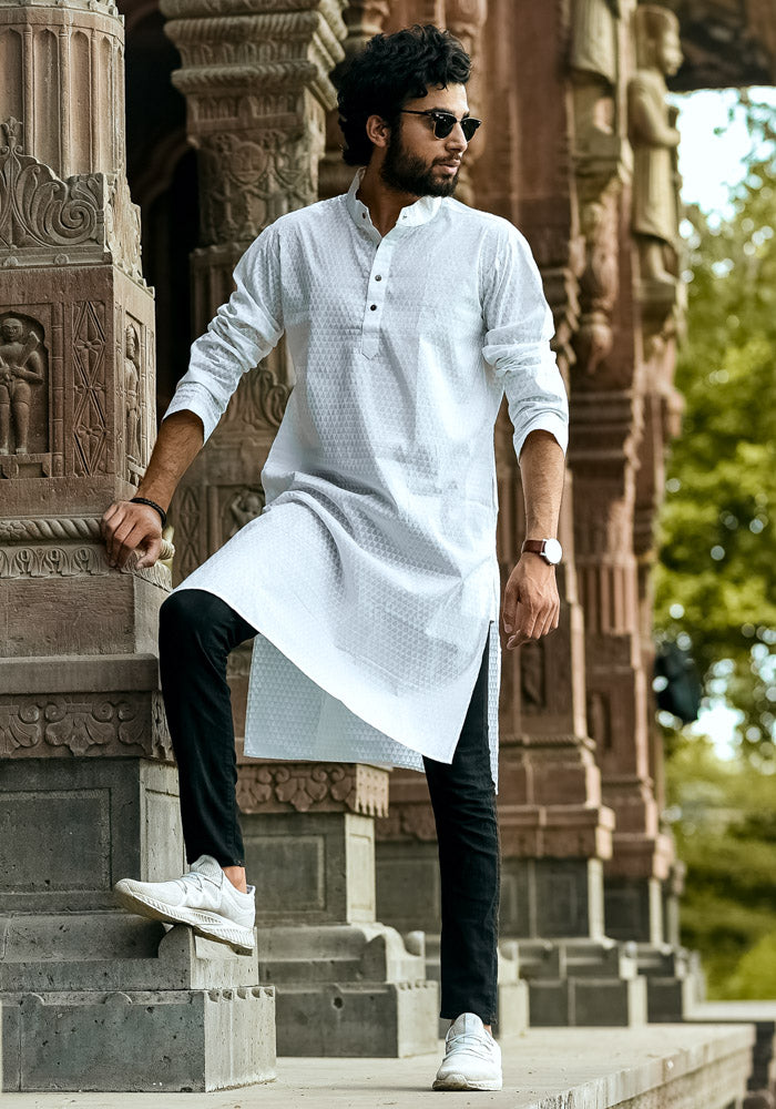 Buy white classic Indian printed minimalist kurta for mens male readymade traditional mens kurtas wholesale india online at crafinno.com
