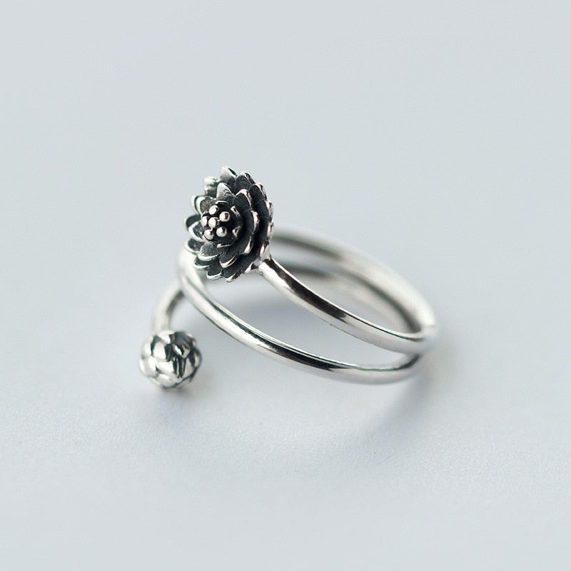 Vintage Solid 925 Sterling Silver Flower Ring - thar-artefacts