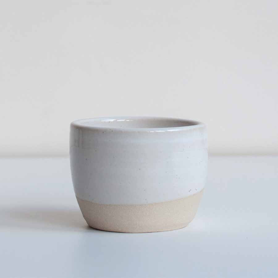 Dor & Tan Tea Bowl in White