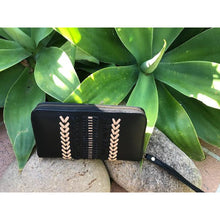 Load image into Gallery viewer, Arwen Clutch. - Unique Imports brought to you by Pablo & Kerrie Wijaya