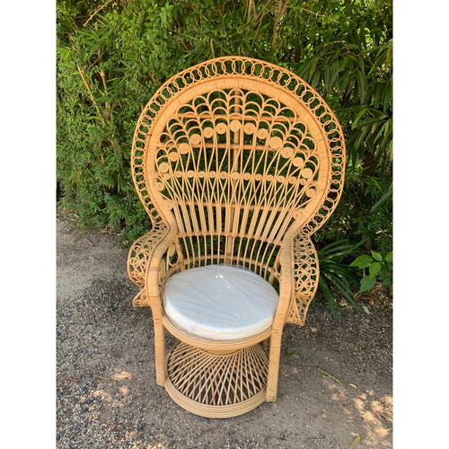 Peacock Chair Natural. - Unique Imports brought to you by Pablo & Kerrie Wijaya