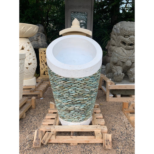 Scoop Riverstone pots.