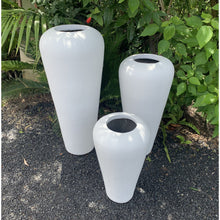 Load image into Gallery viewer, White terracotta Sunda vase urn