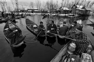A sufi's offering of cinnamon, almonds and saffron green tea warms the body and soul | Dal Lake
