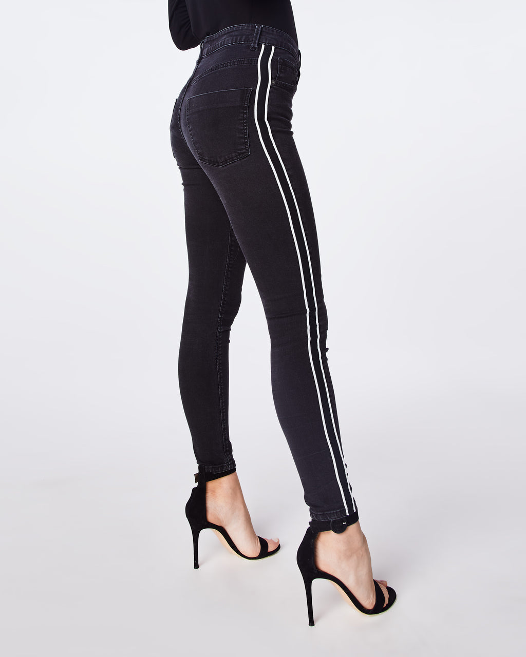 AS10180 - HIGH RISE SKINNY JEANS - bottoms - denim - CUT WITH A HIGH WAIST, THIS SKINNY JEAN PAIRS WELL WITH ANY FOOTWEAR. THE STRIPED DETAIL ADDS A NICE DETAIL.