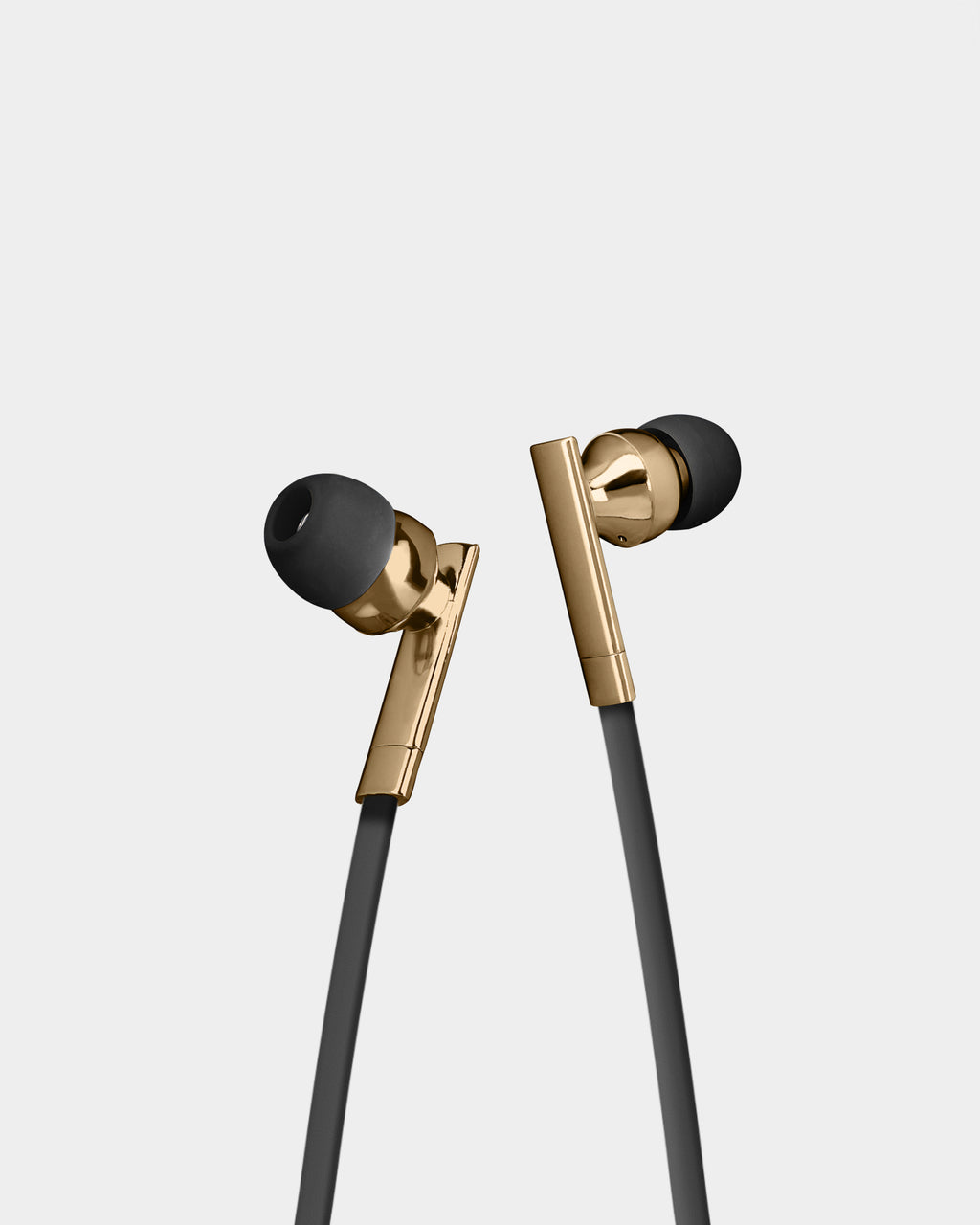 BBEBB01 - Bluetooth Earbuds With Mic - accessories - fashion tech - In a black and gold, these earbuds fit comfortably and features a mic.