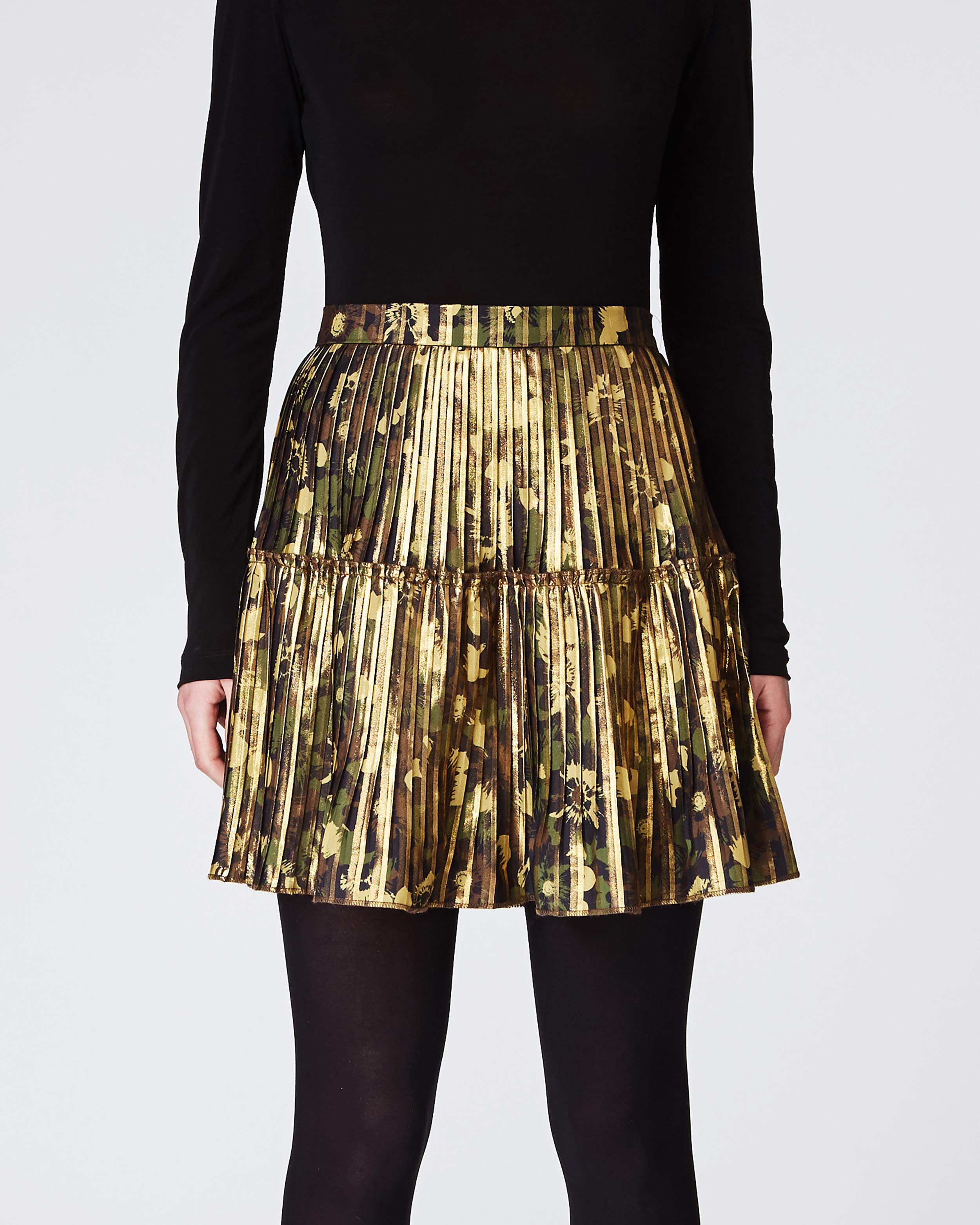 nicole miller foiled flower camouflage pleated mini skirt | polyester | size 0