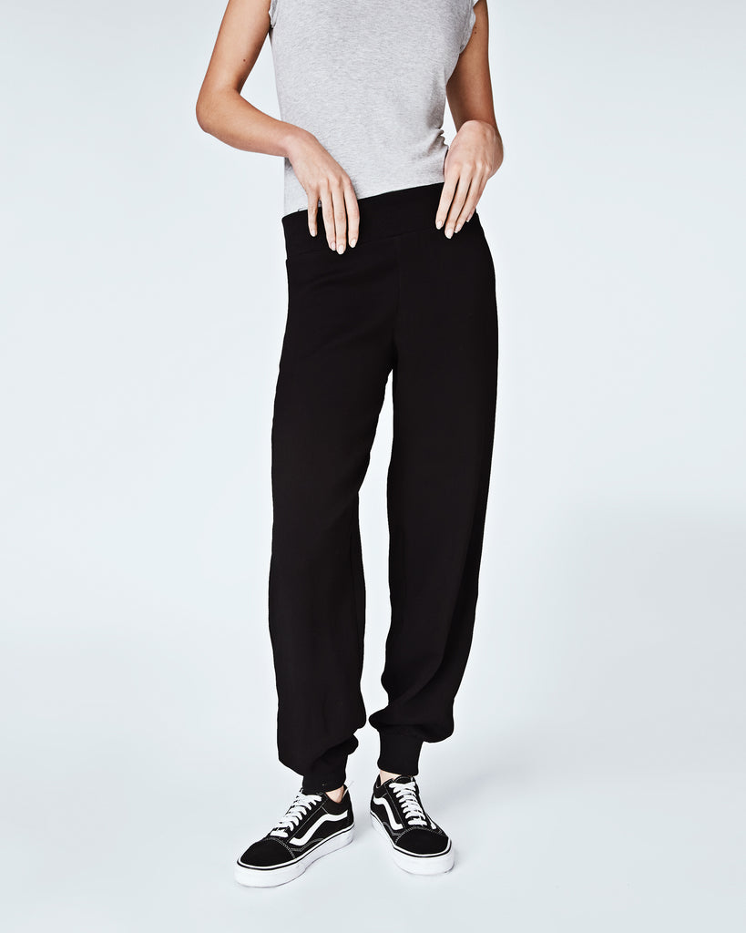BH10358 - CRINKLE SATIN BACK CREPE JOGGER PANTS - bottoms - pants - In a satin crepe, these wear-everywhere joggers a chic yet casual. With a tapered fit, these bottomsare perfectly paired with a t-shirt and sneakers for a effortlessly cool vibe. Finished with an elastic waistband and unlined. Alternate View
