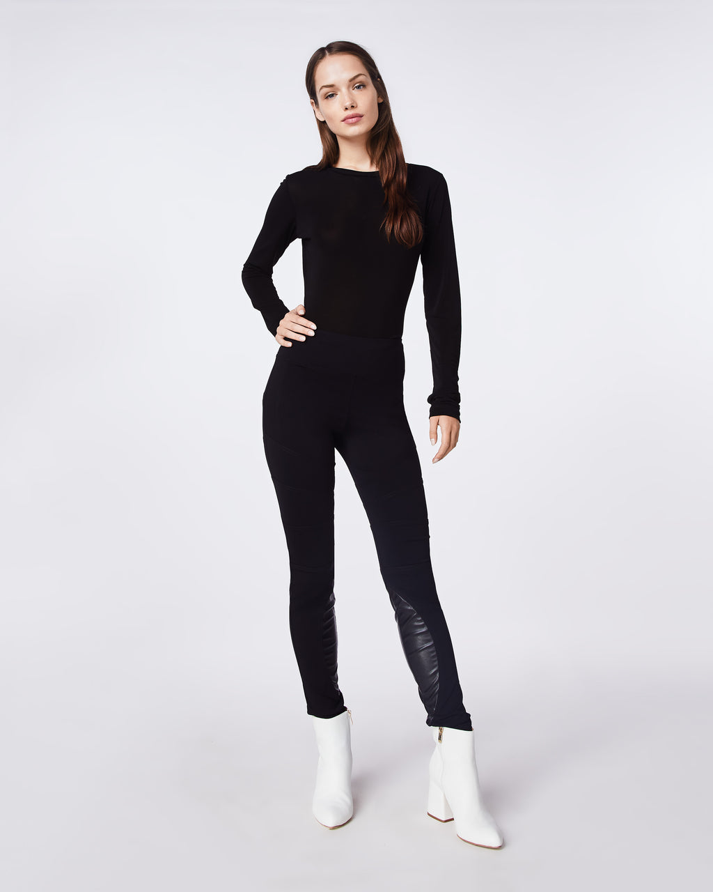 BH10417 - CITY STRETCH SEAMED SKINNY PANT - bottoms - pants - THIS CLASSIC SKINNY PANT HAS WITH A LEATHER WAIST BAND FOR AN ELVELATED LOOK.