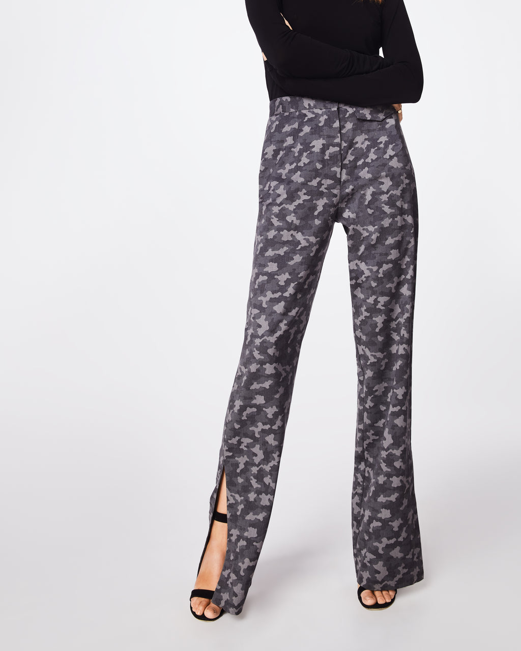 BN10171 - CAMO HIGH WAISTED PANT - bottoms - pants - In a dark grey camo, these high waisted pants havea straight leg fit, concealed zipper and clasp forclosure. Pair with the Boyfriend Camo Blazer for amodern take on the classic suit. Unlined.