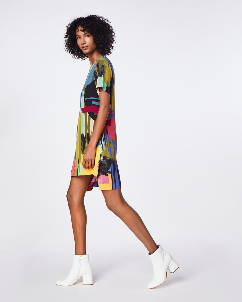 BO10161 - ABSTRACT PAINT SHIRT DRESS - dresses - short - The abstract paint print on this short-sleeve dress adds a touch of fun to a classic shirt dress style. Fully lined, this dress is a great go-to piece