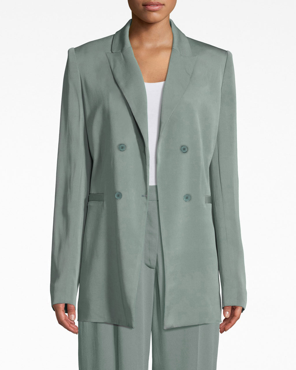 BQ10373 - SATIN BACK CREPE BOYFRIEND JACKET - outerwear - blazers - LIGHTWEIGHT FABRIC AND A TAILORED YET RELAXED FIT MAKE THIS A GO TO PIECE FOR WORKDAYS OR WEEKENDS. PAIR WITH THE MATCHING PANTS FOR A COOL MONOCHROMEOUTFIT.