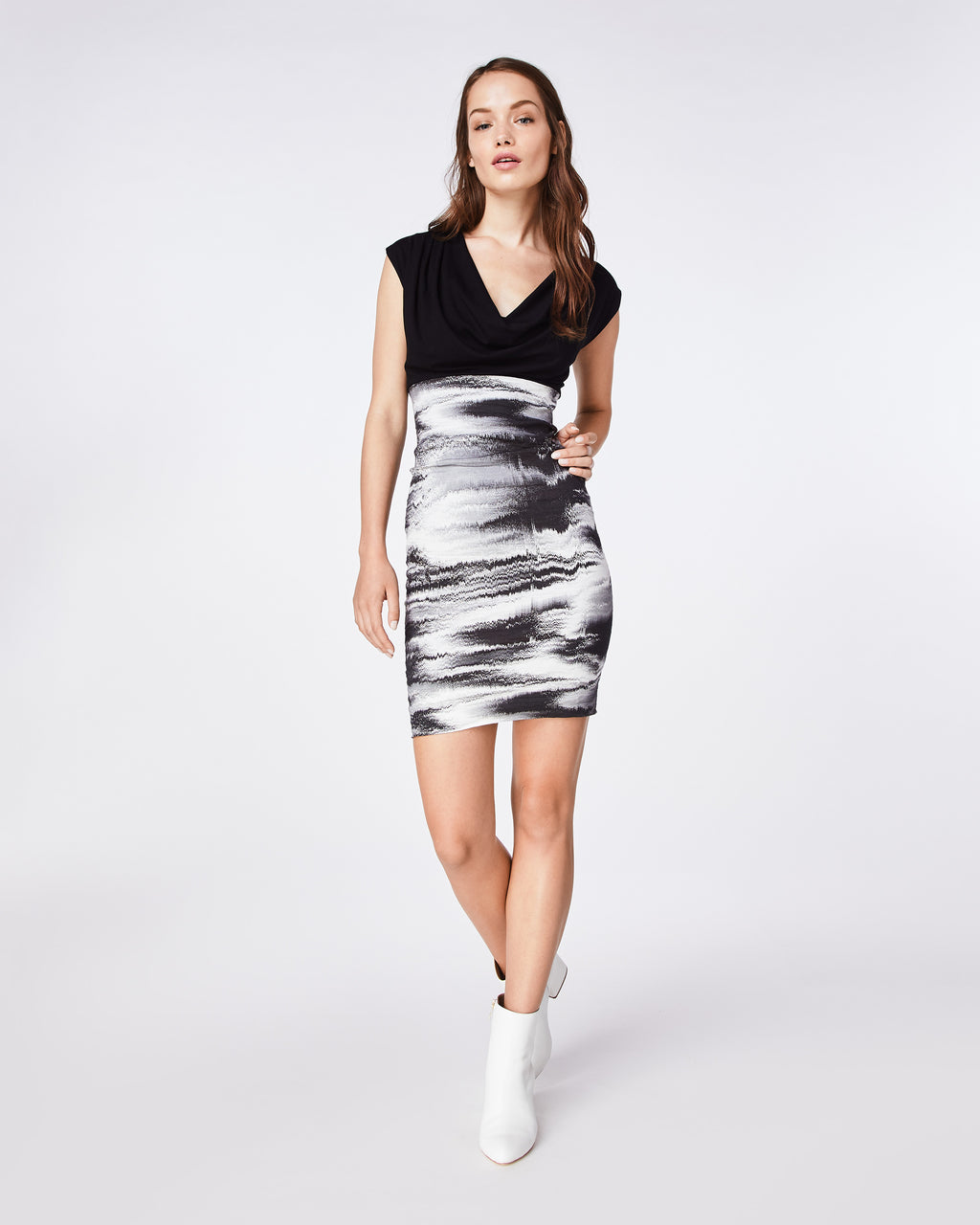 BT10119 - DISTORTED FOG COMBO DRESS - dresses - short - THIS FITTED V-NECK DRESS IS A FLATTERING FIT. IT IS FITTED STARTING AT THE WAIST DOWN. PAIR WITH A STRAPPY BLACK SANDAL FOR A DRESSED UP LOOK.