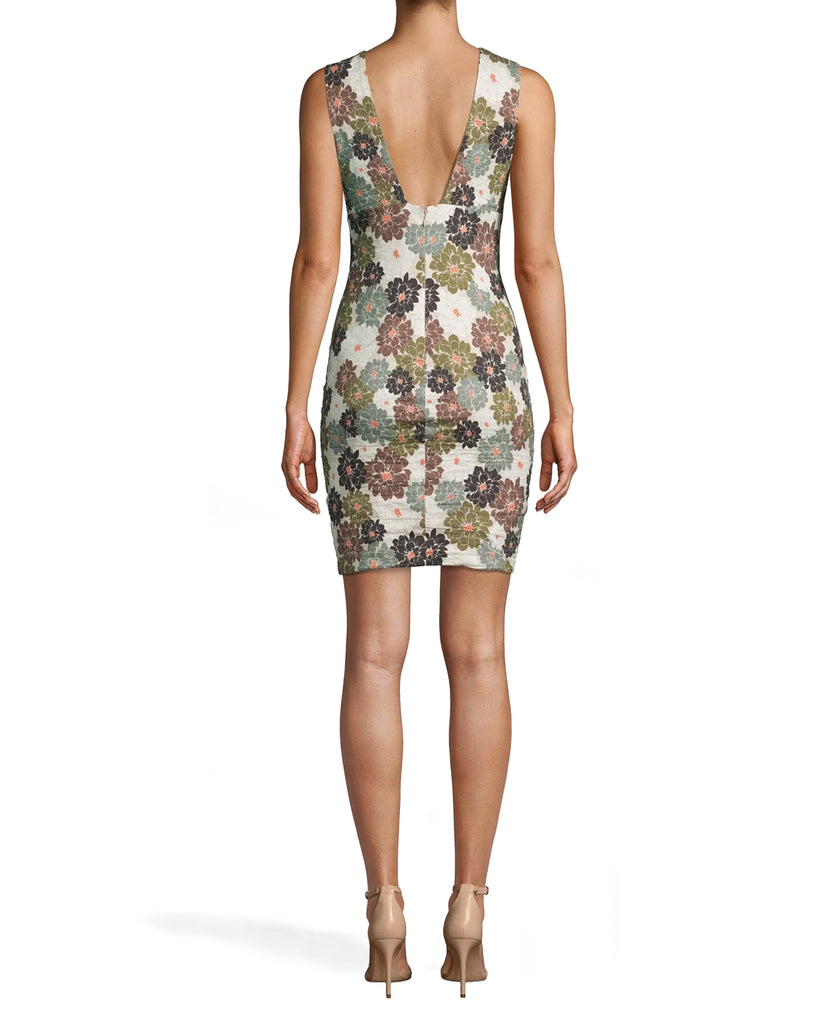 CD17986 - CAMO DELILAH COTTON METAL V-NECK SHEATH DRESS - dresses - short - MEET OUR NEW CAMO DELILAH PRINT. THIS SLEEVELESS DRESS FEATURES BRA FRIENDLY STRAPS, A FLATTERING V NECK AND KNEE LENGTH HEMLINE. THIS STATEMENT DRESS IS DESIGNED IN OUR ICONIC COTTON METAL FOR A CURVE HUGGING FIT. BACK ZIPPER FOR CLOSURE, Add 1 line break STYLIST TIP: WEAR WITH NEUTRAL HEELS AND DAINTY GOLD JEWELRY. Alternate View