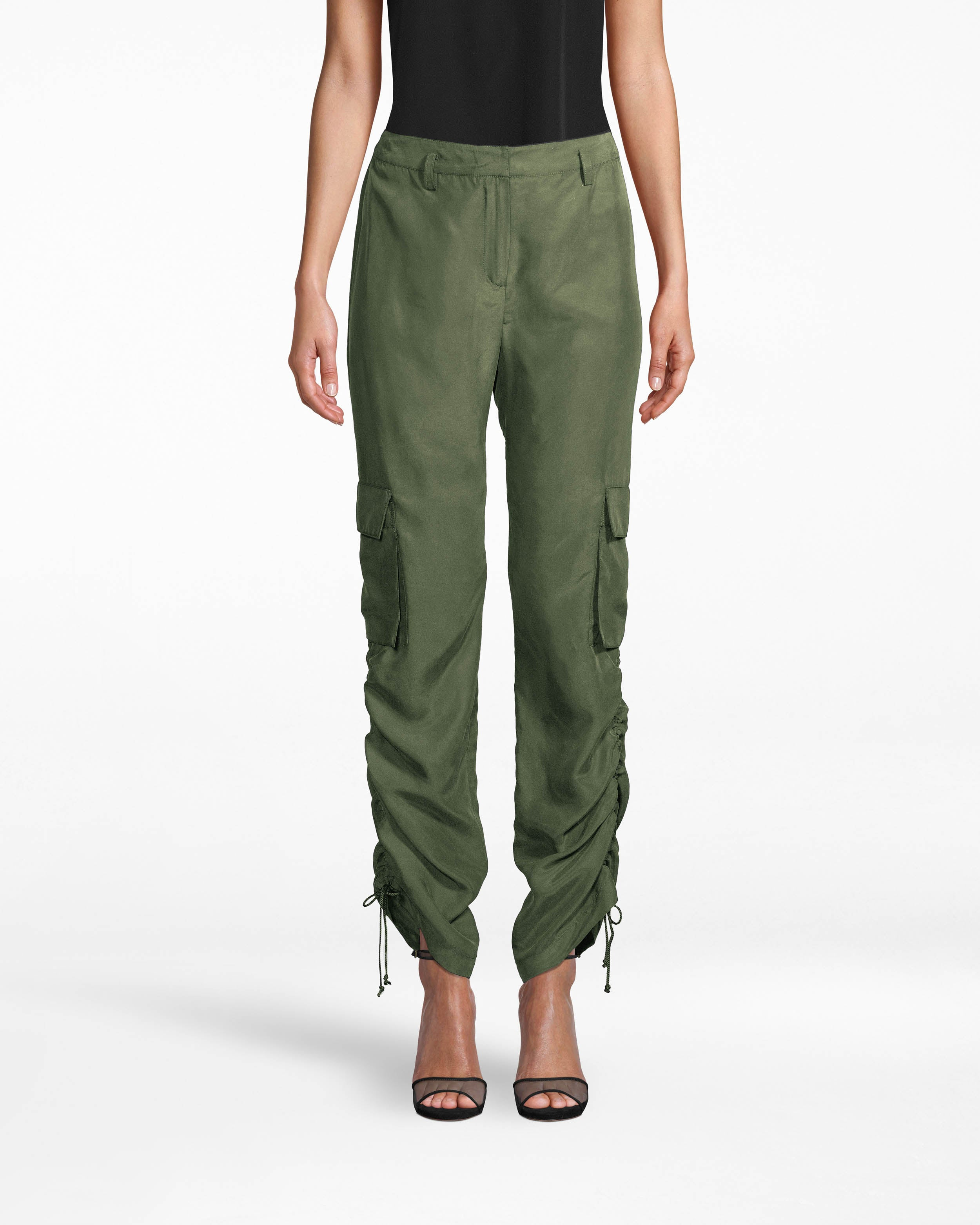 nicole miller washed habotai cargo pant in camouflage green | silk | size 0