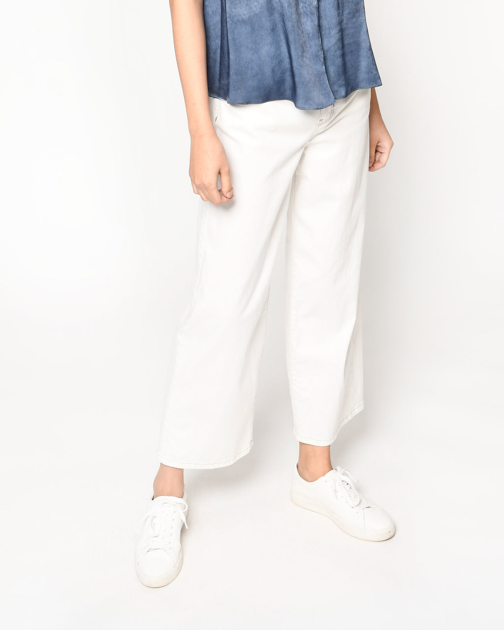 CP18407 - SOLID WIDE LEG JEANS - bottoms - denim - Our solid wide leg jeans are perfect for pairing with any top from our Resort 2021 collection. Crafted from soft cotton, these stretchy jeans will be on repeat all season long. Add 1 line break Stylist Tip: pair with one of our flowy blouses for an on trend ensemble.
