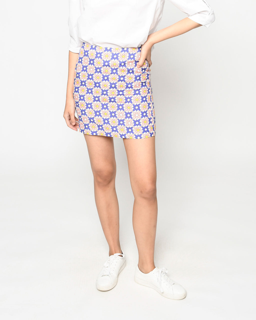 CS19052 - DAISY FIELD SCARF MINI SKIRT - bottoms - skirts - Our retro mini skirt is designed in one of our favorite bold prints for spring. The contrasting colors upgrade this classic silhouette. Add 1 line break Stylist Tip: Pair with a white tee or the matching top for a cute yet classic look.