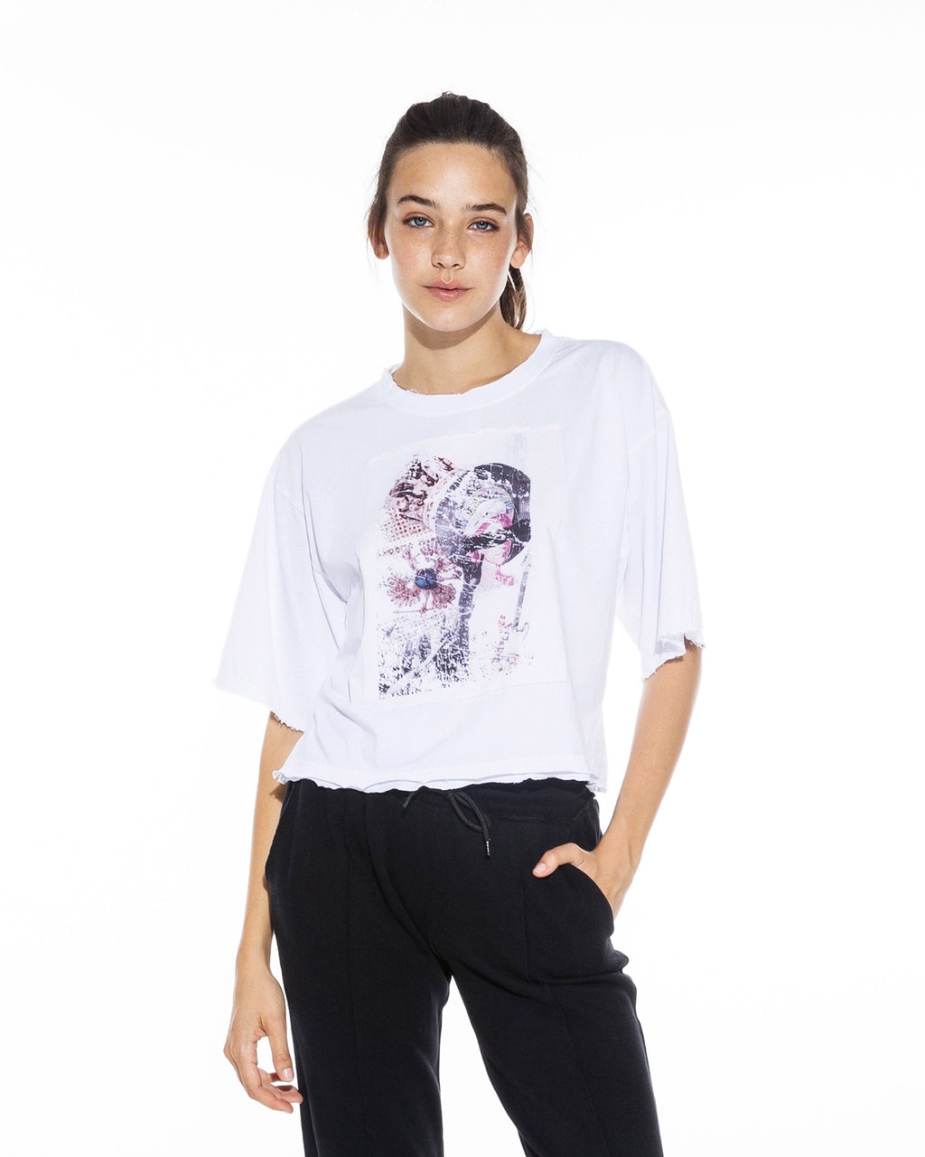 CT18626 - ROCK & ROYALTY T-SHIRT - tops - shirts - This cropped graphic tee is printed with our Fall 2020 moodboard. Featuring a portrait of Queen Elizabeth II and other royal motifs, this soft 100% cotton printed tee will elevate any pair of jeans. Add 1 line break Stylist tip: Throw this top on with your favorite pair of jeans and a blazer for a laidback but cool look.