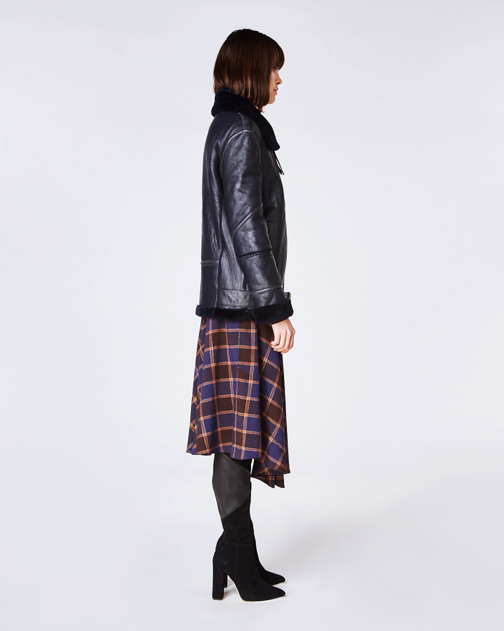 FR10000 - SHEARLING JACKET - outerwear - leather - In an oversized fit, this biker jacket features a soft shearling lining and lamb leather shell. Completed with a belted detail and exposed zipper for closure.