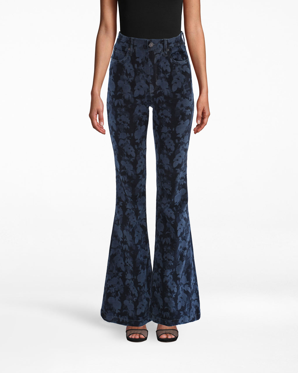 LP18062 - PRINTED DENIM BELL BOTTOM PANT - bottoms - pants - BELL BOTTOMS ARE BACK. THSE FLORAL DENIM PANTS ARE PERFECT FOR COOL SUMMER NIGHTS AND EASING INTO FALL. THIS WIDE LEG STYLE ELONGATES YOUR LEGS FOR AN ULTRA FLATTERING FIT. Add 1 line break STYLIST TIP: WEAR WITH A WHITE TOP AND THE MATCHING JACKET FOR A COMPLETE LOOK.