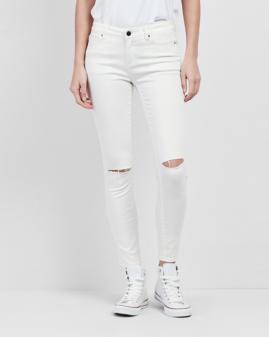 NJ0130 - WHITE SLASHED JEANS - bottoms - denim - These Mid Rise jeans are finished with slashed de tail at the knees.