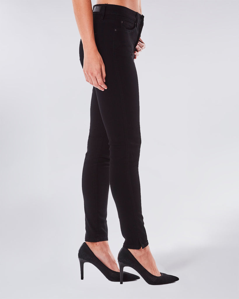 NJ0162S - SOHO HIGH RISE SKINNY - bottoms - denim - This skinny high rise jean is a classic and extremely flattering on every body type. Complete with Lyrca Beauty. Alternate View