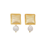 Bianca Freshwater Pearl Stud Earrings (2 colours)