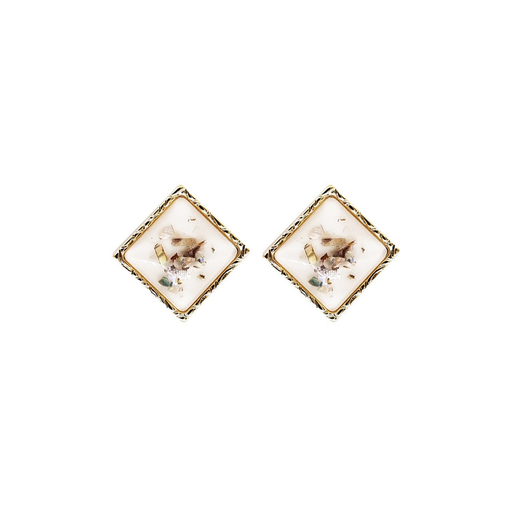 Berly Vintage Stud Earrings