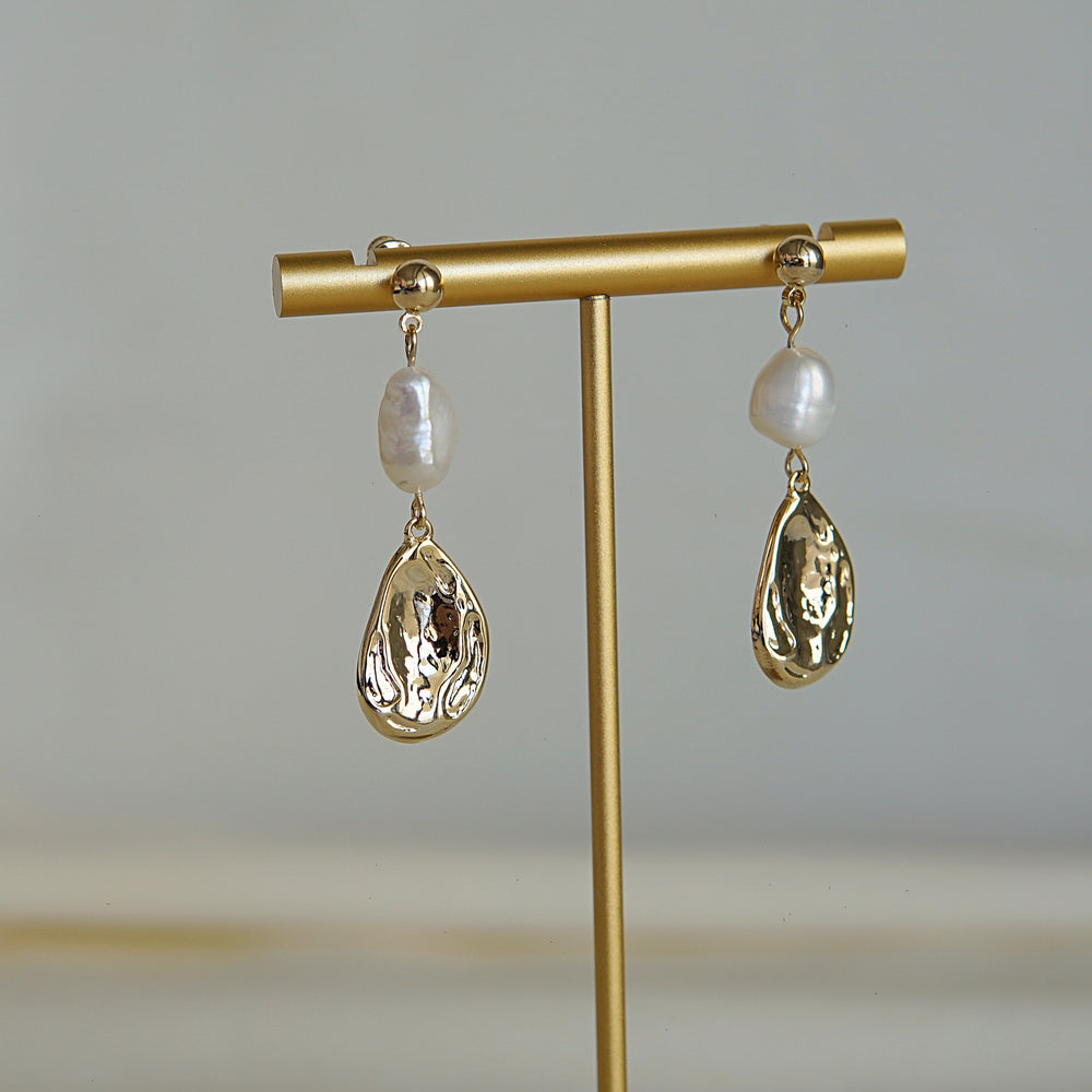 Carlotta Freshwater Pearl Earrings - atto.studio