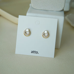Load image into Gallery viewer, Miki Stud Earrings