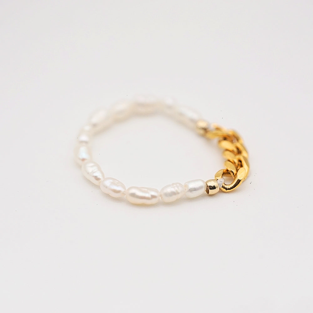Cyra 18K Gold-plated Pearl Ring