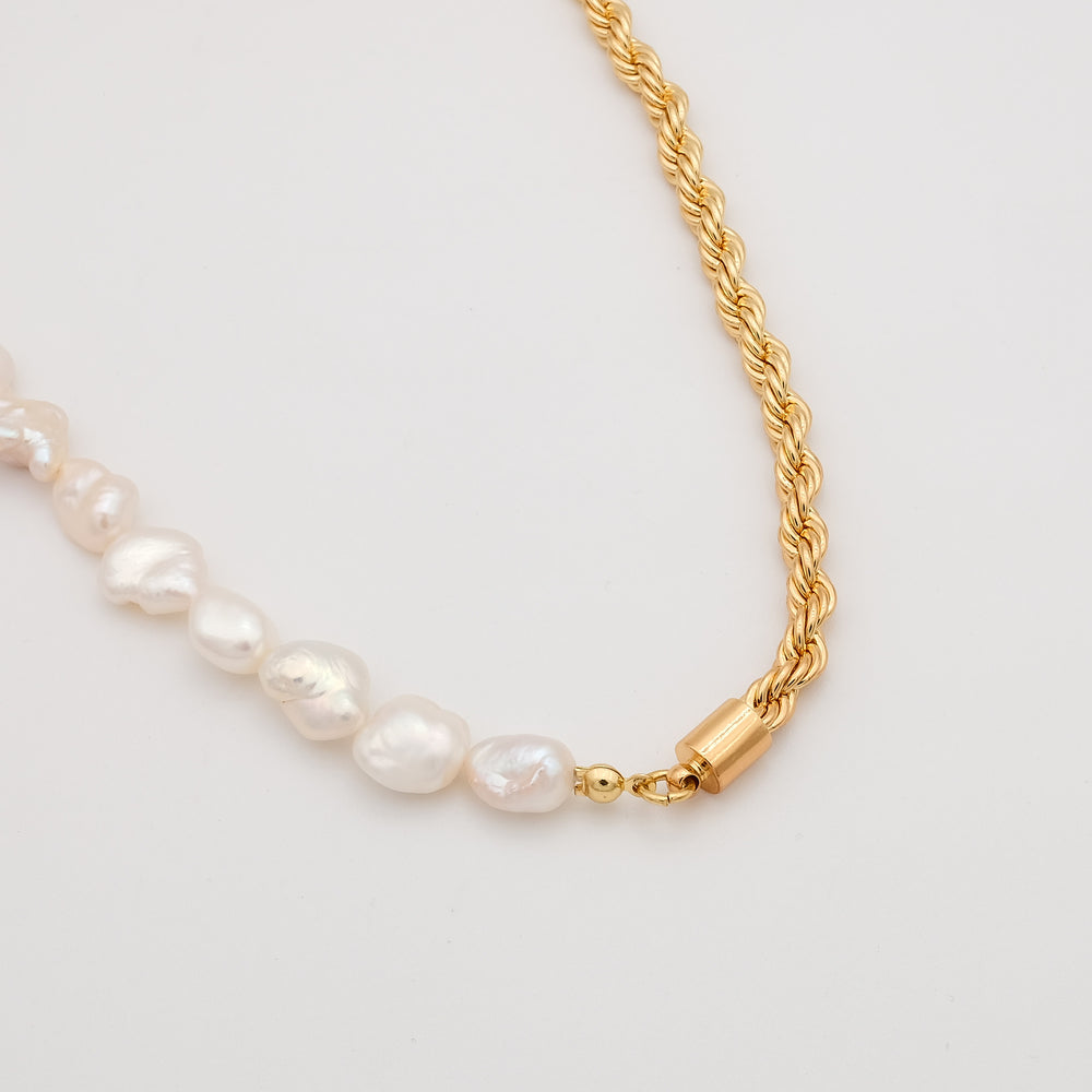 Gaby Freshwater Pearl Necklace