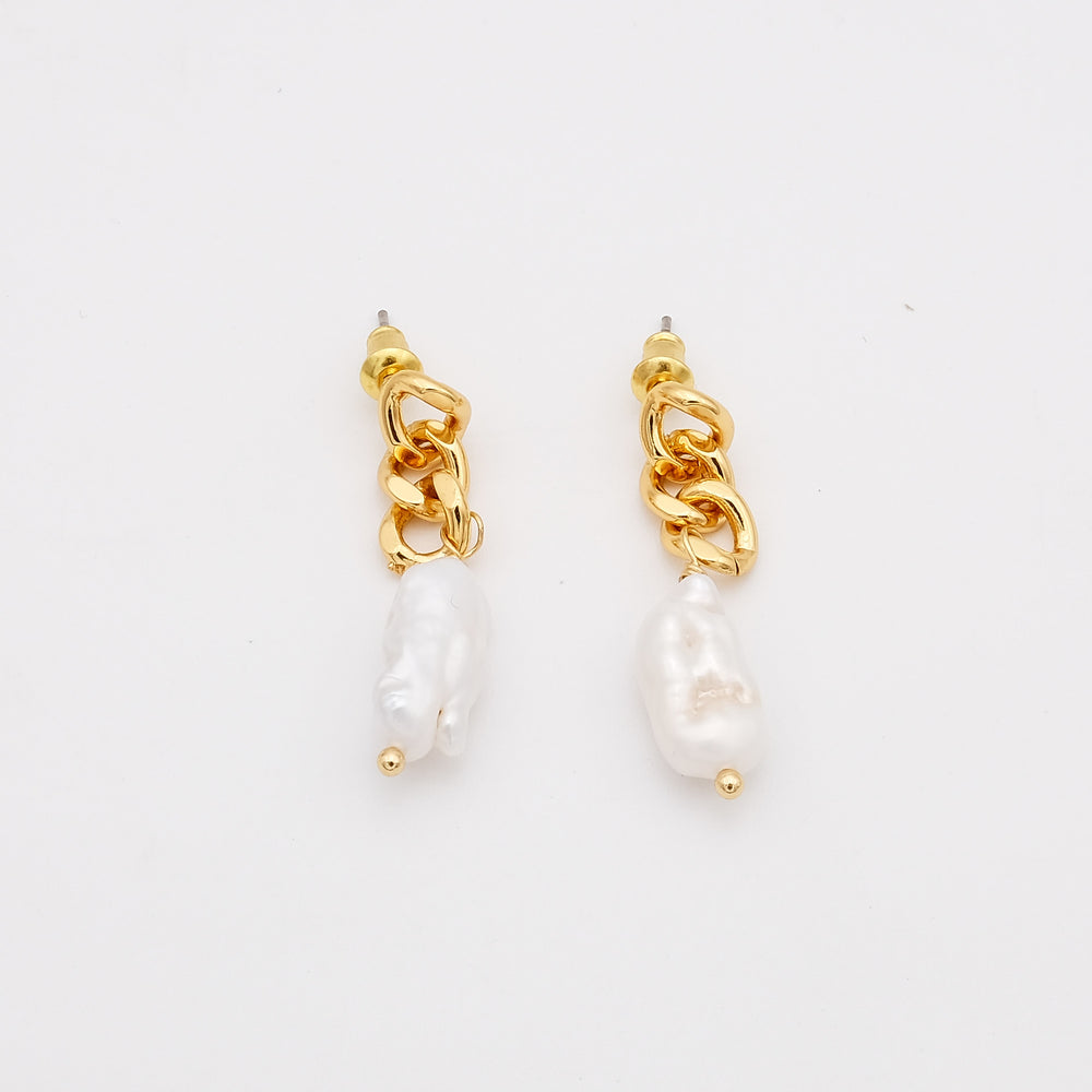 Selena Freshwater Pearl Earrings