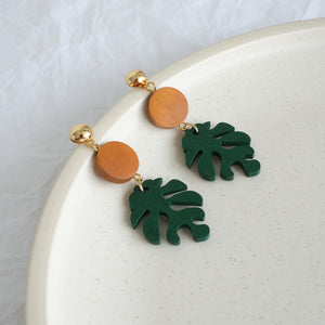 Load image into Gallery viewer, Monstera Leaf Wooden Drop Earrings