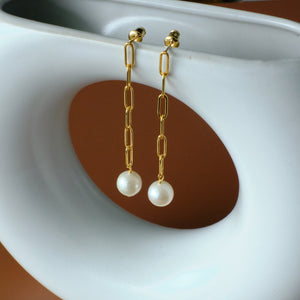 Load image into Gallery viewer, Simone Freshwater Pearl Drop Earrings
