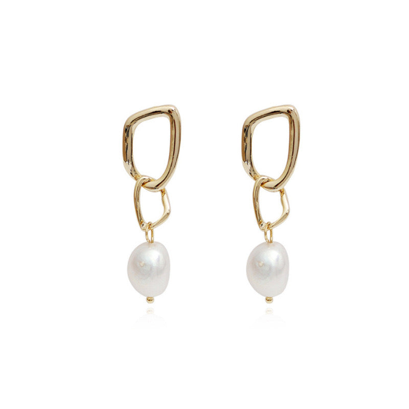 Estee Freshwater Pearl Earrings