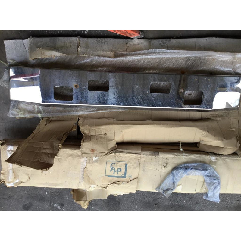 FORD F650SD (SUPER DUTY) BUMPER ASSEMBLY - FRONT
