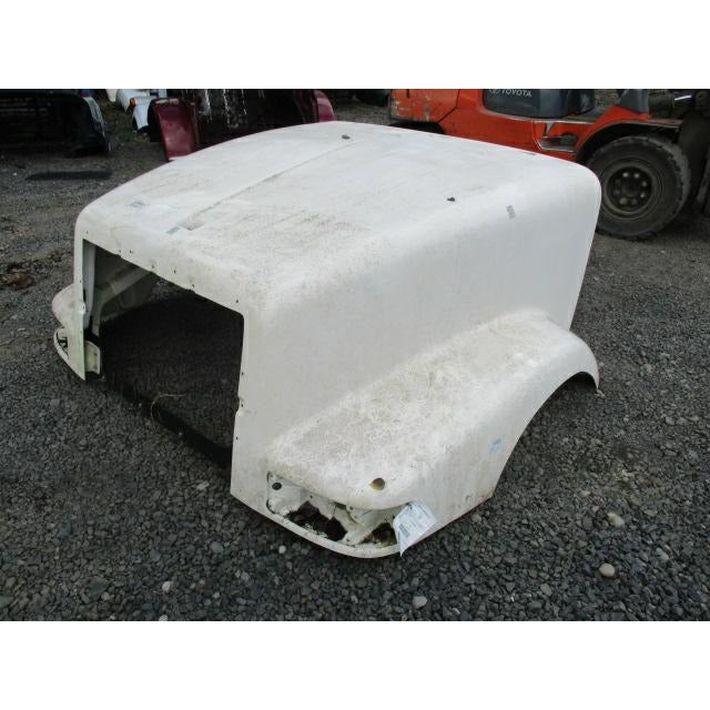 fuel tank for an International 9400 / 9200, measuring 26 inches X 45.5 inches and 100 gal., with the driver side front fill.