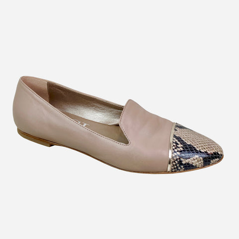 https://trendful.com/collections/all/products/attilio-giusti-leombruni-taupe-leather-semi-pointed-toe-loafers-flats