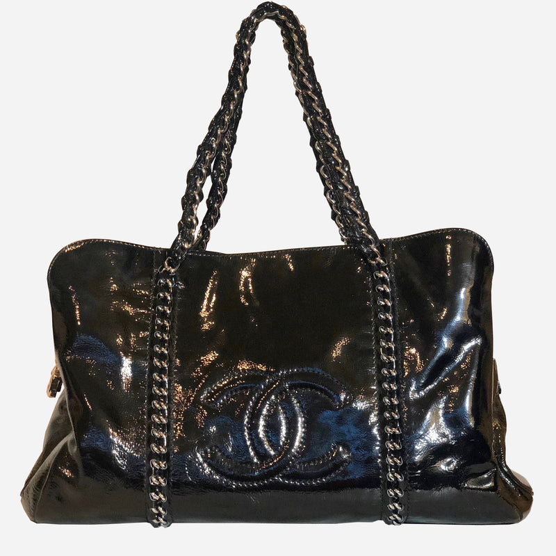 Modern Chain E/W Black Patent Leather Tote