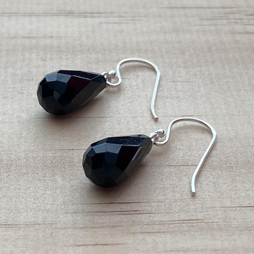 Black Onyx Briolette Drop Earrings - Empaness