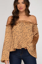 Load image into Gallery viewer, Off The Shoulder Sleeve Printed Satin Top