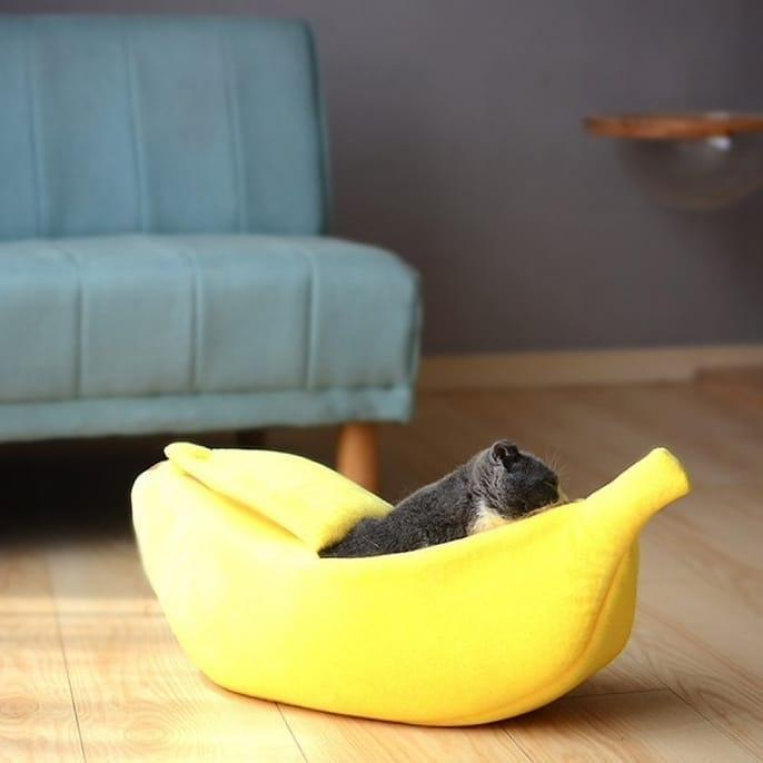 COZY BANANA SLEEPING PET BED (50% OFF TODAY!)
